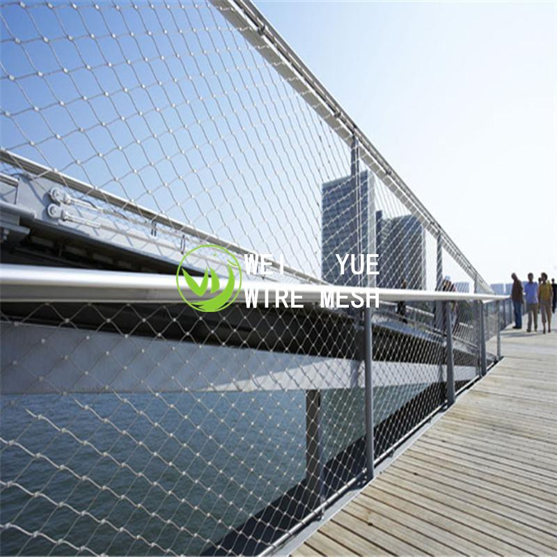 Bridge fence mesh